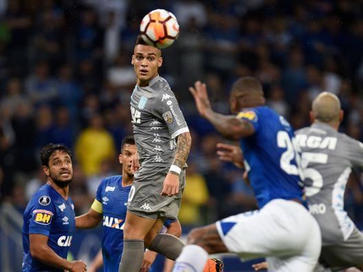 Lautaro Martinez, qui col Racing contro il Cruzeiro. Afp