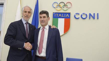 Giovanni Malagò, presidente del Coni, con Marco Giunio De Sanctis, presidente Federbocce, alla conferenza stampa