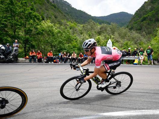 Simon Yates, 25 anni, maglia rosa del Giro. Afp