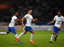 L'esultanza di Capone dopo il gol del pari. Getty Images