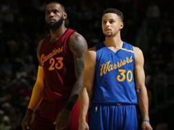 James LeBron e Stephen Curry nel 2016. Getty