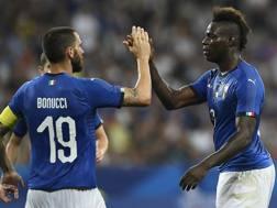 Leonardo Bonucci e Mario Balotelli. LaPresse