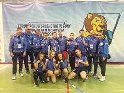 Foto di gruppo per gli azzurri medagliati
