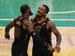 LeBron James, 33 anni, e J.R. Smith, 32. Afp