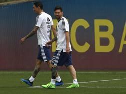 Leo Messi con Angel Di Maria nel ritiro dell'Argentina Barcellona. Ap