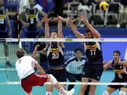 Una fase di Italia-Polonia vinta dai polacchi in 5 set FIVB.COM