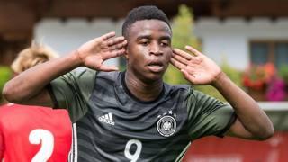 Youssoufa Moukoko, 13 anni, in rete col la nazionale tedesca Under 16. Epa