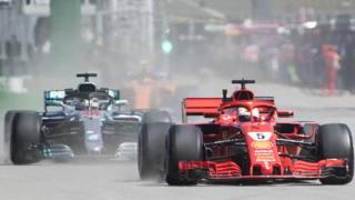 Sebastian Vettel, 30 anni, precede Lewis Hamilton, 33 in occasione del le prove del GP del Canada AP