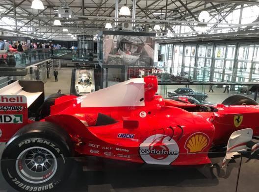 Lo spazio espositivo di Schumacher inaugurato a Colonia