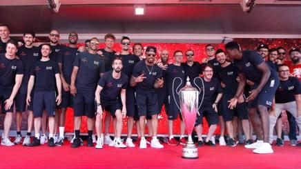 I ragazzi dell'Olimpia sul palco del Forum. CiamCast