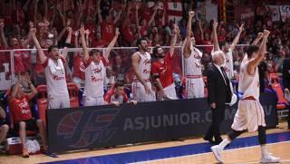 La panchina di Trieste esulta nel finale. CiamCast