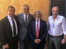 La prima immagine di Walter Sabatini alla Sampdoria. Twitter: @sampdoria
