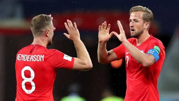 I complimenti di Henderson a Kane per la doppietta. Getty