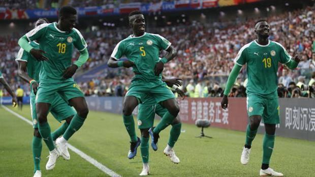 L'esultanza dei senegalesi dopo il 2-0 di Niang. Ap