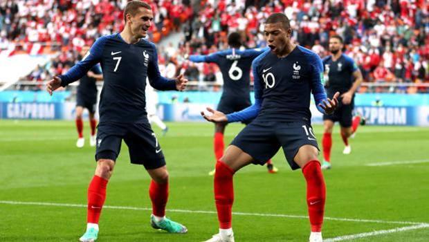 Griezmann e Mbappé festeggiano. Getty