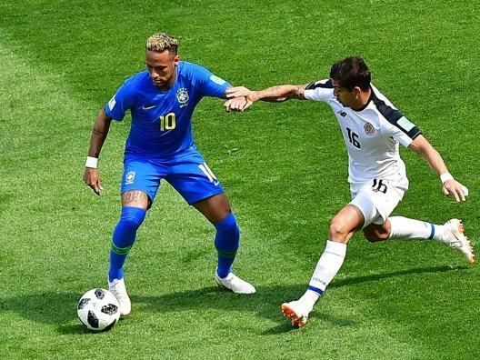 Neymar: giallo, nervi, Var e... un gol