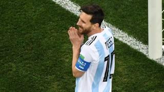 Messi sorride e... prega. Il suo Mondiale forse non è finito. Afp
