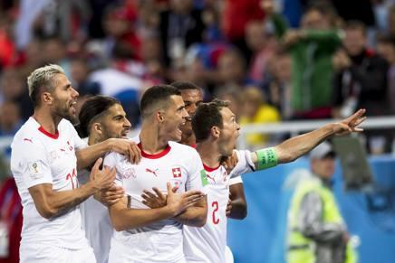 L'esultanza degli svizzeri dopo l'1-1. Epa