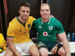 Conor Murray e David Pocock a maglie invertite dopo la partita di sabato
