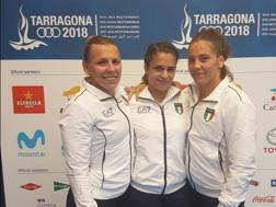 Da sinistra, Sara Da Col, Carola Rainero e Dalma Caneva a Tarragona