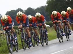 La Bahrain-Merida di Vincenzo Nibali nella cronosquadre del Giro del Delfinato. Bettini