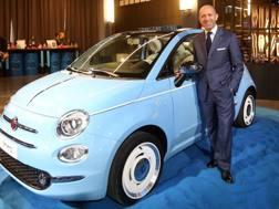 Luca Napolitano con la nuova 500 Spiaggina '58