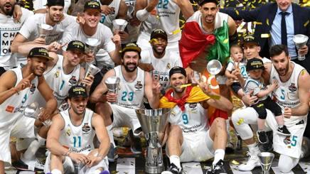 Si riparte dalla festa del Real Madrid, campione nel 2017-2018. Afp