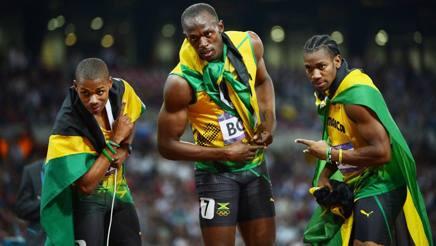 Warren Weir, a sinistra, con Bolt e Blake dopo la tripletta sui 200 a Londra 2012 AFP