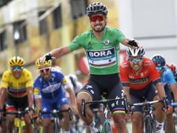 Decima tappa al Tour per Peter Sagan, 28 anni, su Sonny Colbrelli, 28. AP