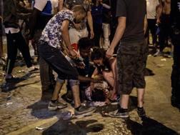 Notte di incidenti a Parigi durante la festa per la Francia campione. Getty Images
