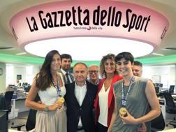 Le ragazze del 3x3 col presidente Petrucci in Gazzetta. Bozzani
