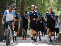 La Lazio al lavoro ad Auronzo con Parolo e Immobile in prima fila. Getty