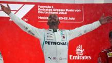 Lewis Hamilton esulta sul podio di Hockenheim. Getty