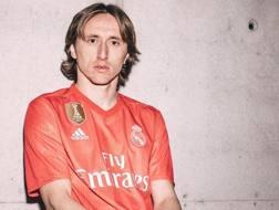 Luka Modric con la terza maglia del Real