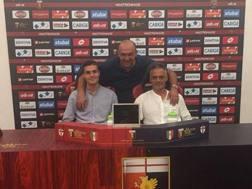Andrea Favilli con papà Maurizio e l'agente Donato di Campli. INSTAGRAM
