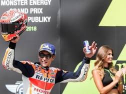 Marc Marquez sul podio di Brno. Epa