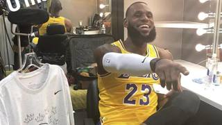 LeBron e la prima da Lakers