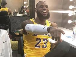 LeBron James, 33 anni, con la sua nuova numero 23 dei Lakers. Instagram