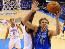 Dirk Nowitzki, 40 anni compiuti lo scorso 19 giugno, 21 stagioni tra i pro' con la maglia dei Dallas Mavs AP