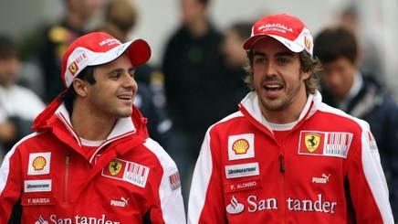 Felipe Massa e Fernando Alonso ai tempi della Ferrari. LaPresse