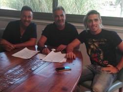Claudio Paul Spinelli, firma per il Crotone.