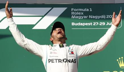 Lewis Hamilton, 33 anni, 4 volte campione del mondo si F.1 (2008 con la McLaren; 2013, 2014, 2015 e 2017 con la Mercedes) AP