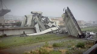 Genova, crolla ponte Morandi: le prime foto del disastro