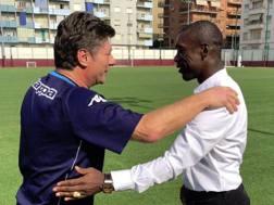 Walter Mazzarri, 56 anni, allenatore del Torino, insieme al ct  del Camerun Clarence  Seedorf,  42. Twitter