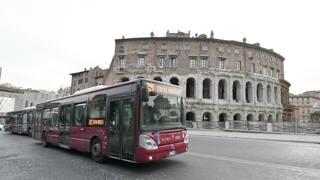 Un autobus a Roma. LaPresse