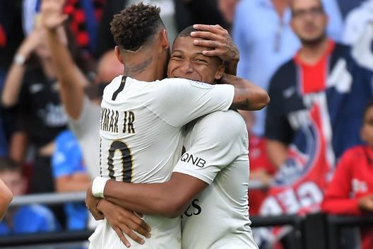 Neymar e Kylian Mbappé. Afp