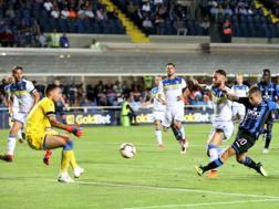 Il gol di Papu Gomez. Lapresse