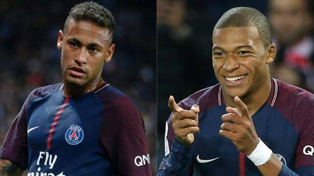 A sinistra Neymar, a destra Kylian Mbappé
