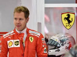 Sebastian Vettel ai box Ferrari a Spa. Afp