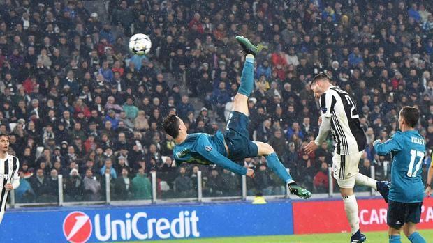 270fe70c17 La rovesciata di Cristiano Ronaldo allo Juventus Stadium. ANSA